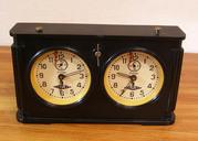 Продаются шахматные часы раннего советского периода.Антиквариат.Настольные чугунные часы.