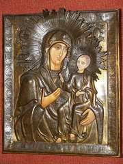 Икона Пресв.Богородицы «Иверская» в старинном окладе.
