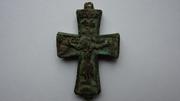Нераскрытый древний русский крест-энколпион со св. мощами. XV в.