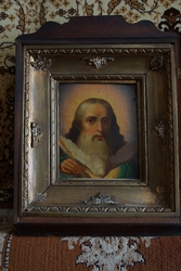 Икона «Господь Вседержитель и Святой Дух» в старинном кивоте. кон. XVI