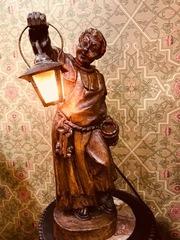 Винтажная лампа с фигурой монаха,  держащего фонарь. З.Европа,  нач.ХХв